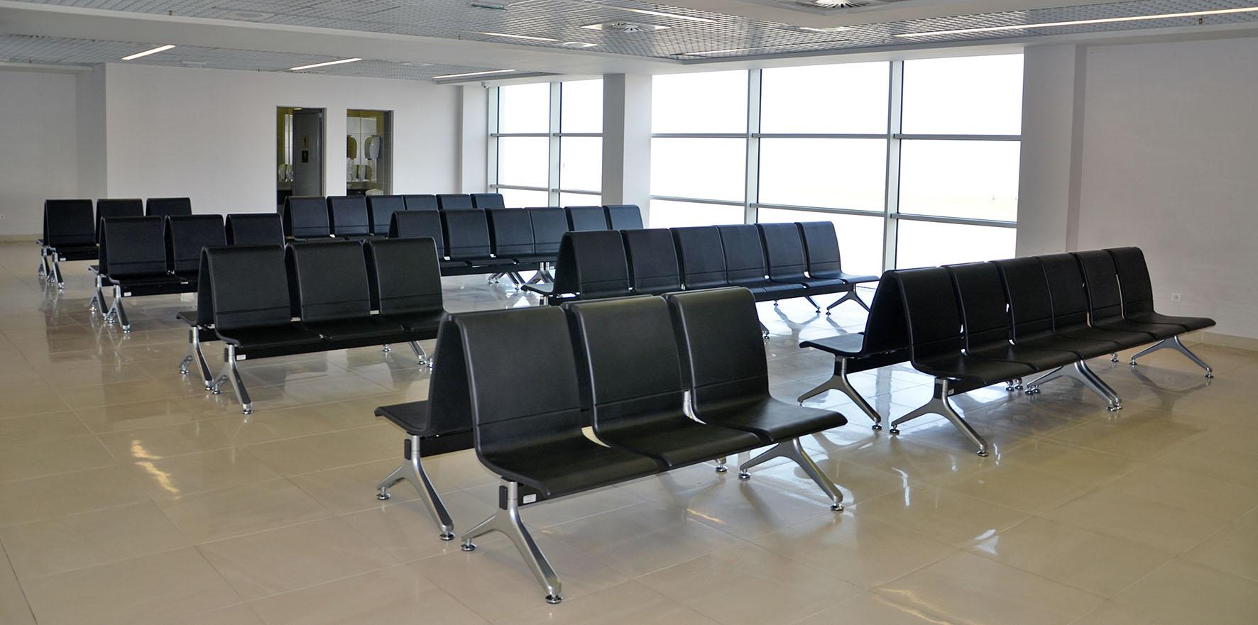塞尔维亚 国际机场.jpg